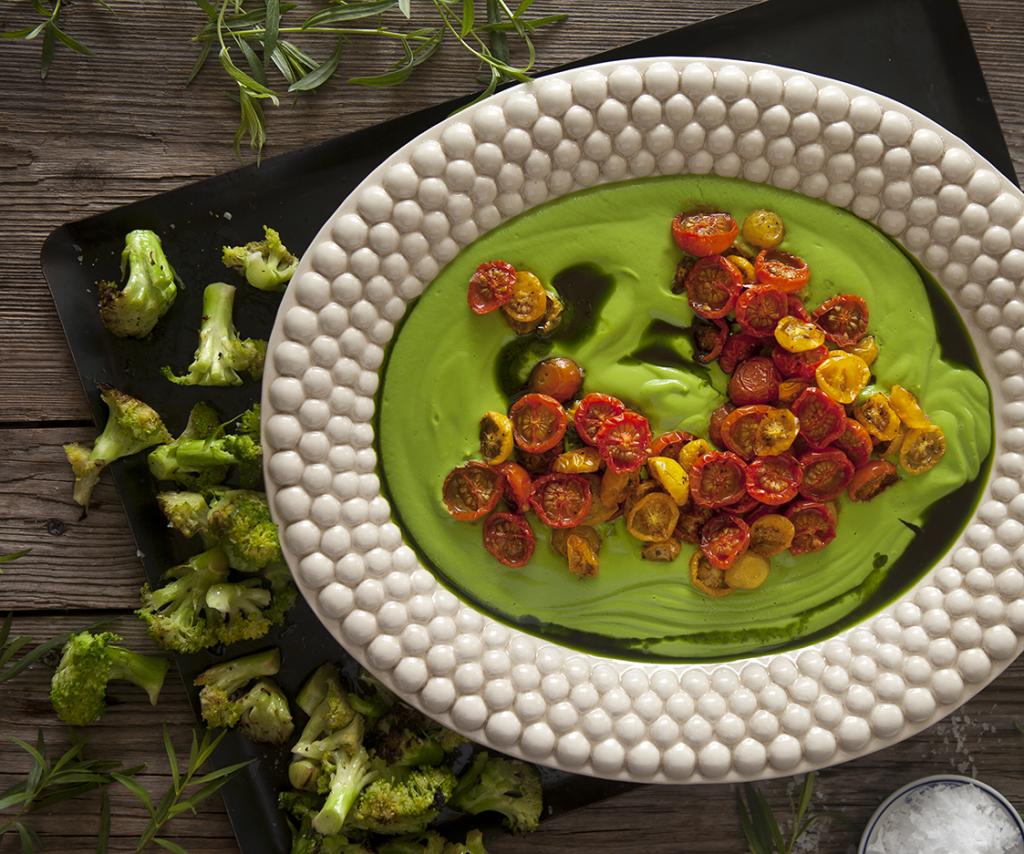 Broccolicrème med Dragon och bakade tomater