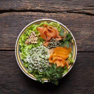 Rökt laxpoké bowl med mathavre och Bladpersilja