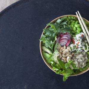 Tofupoké bowl med Grönkål