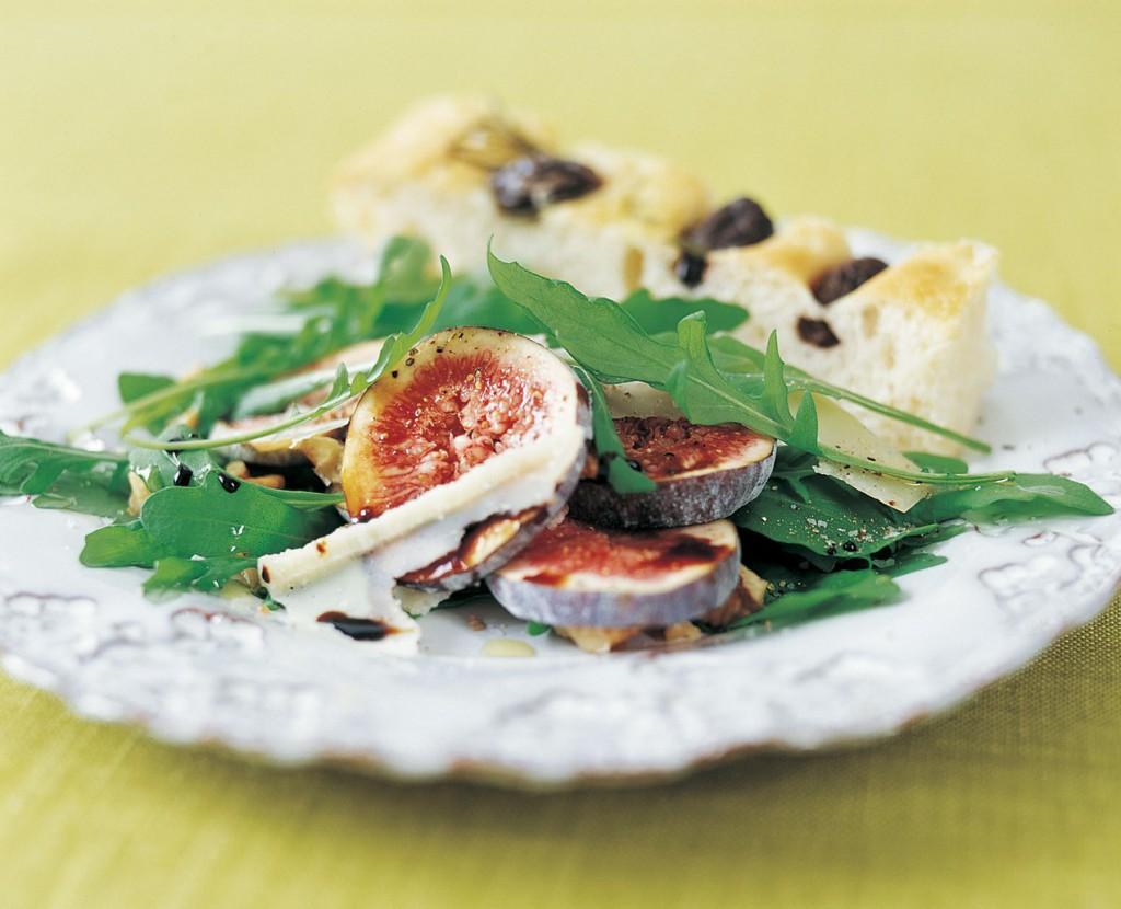 Ruccolasallad med färska fikon och parmesan