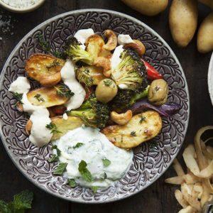 Sparris Finpotatissallad med Tahinadipp & Myntayoghurt