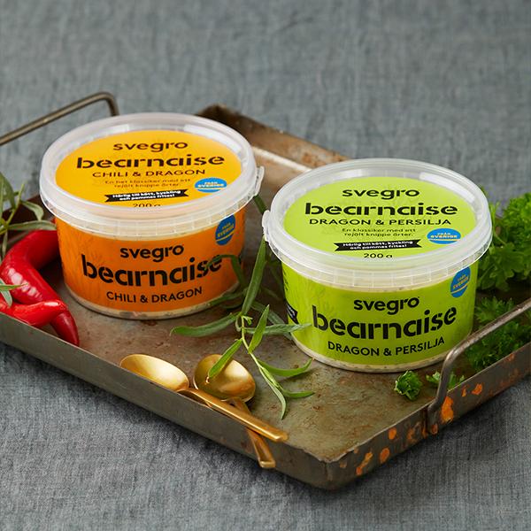 Svegro Produkter - Våra Bearnaisesåser - Burkar på bord