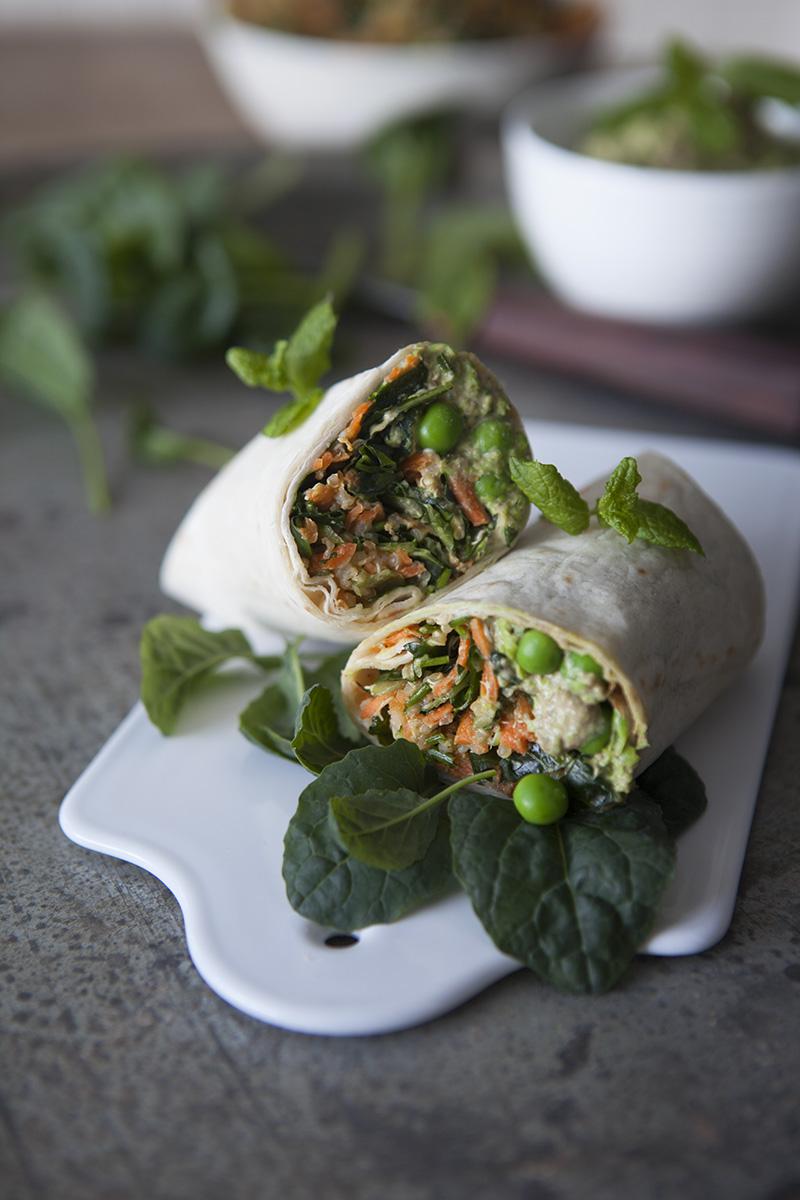 Wrap med Tatsoi- och quinoasallad samt grönärts-tahini