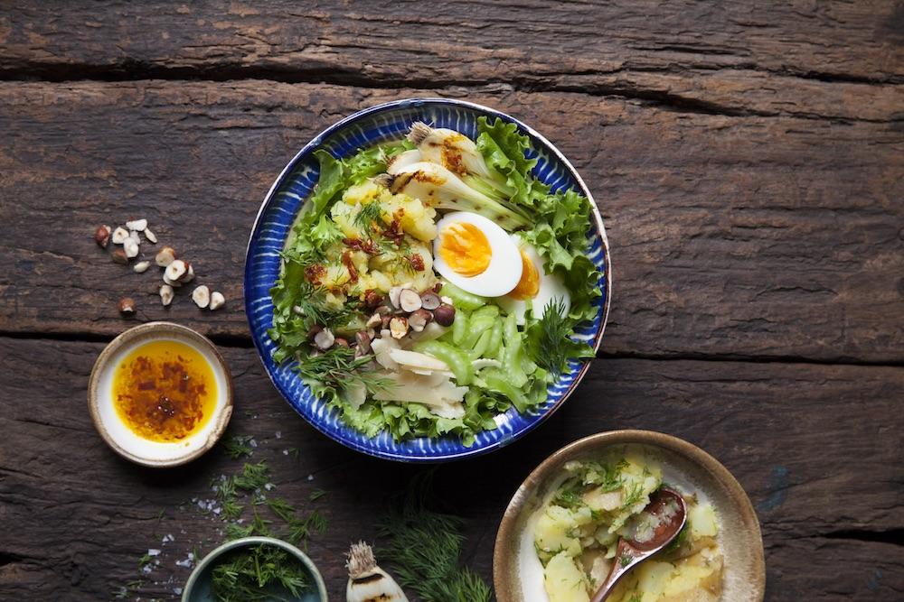 Poké bowl med Dillstompad potatis