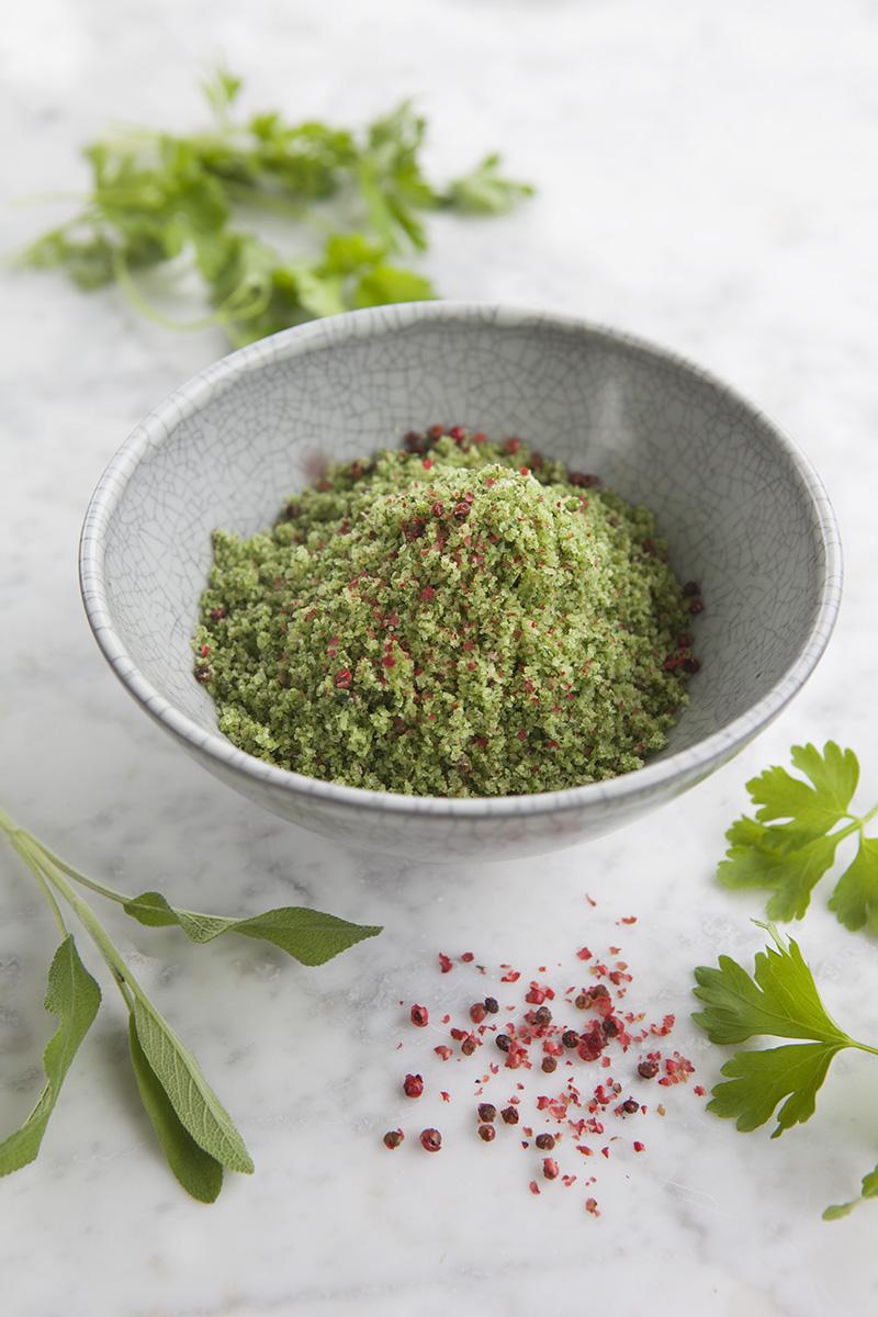 Salvia-, Bladpersilja- och rosépepparsalt