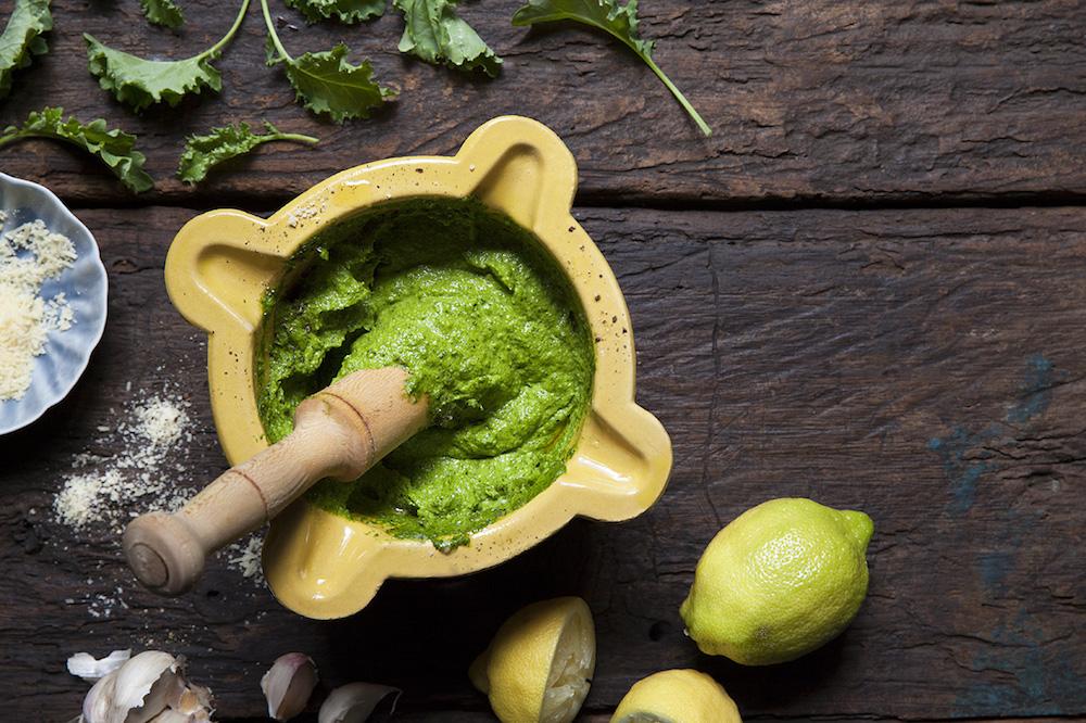 Pesto på grönkål och mejram