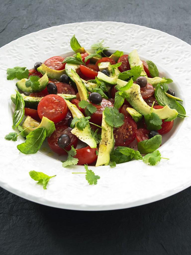 Avokado- och tomatsallad med Koriander och Mynta