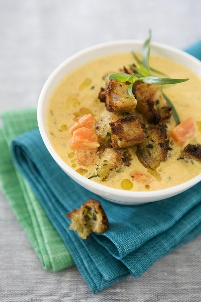 Fransk morotssoppa med Dragon och vitlökskrutonger