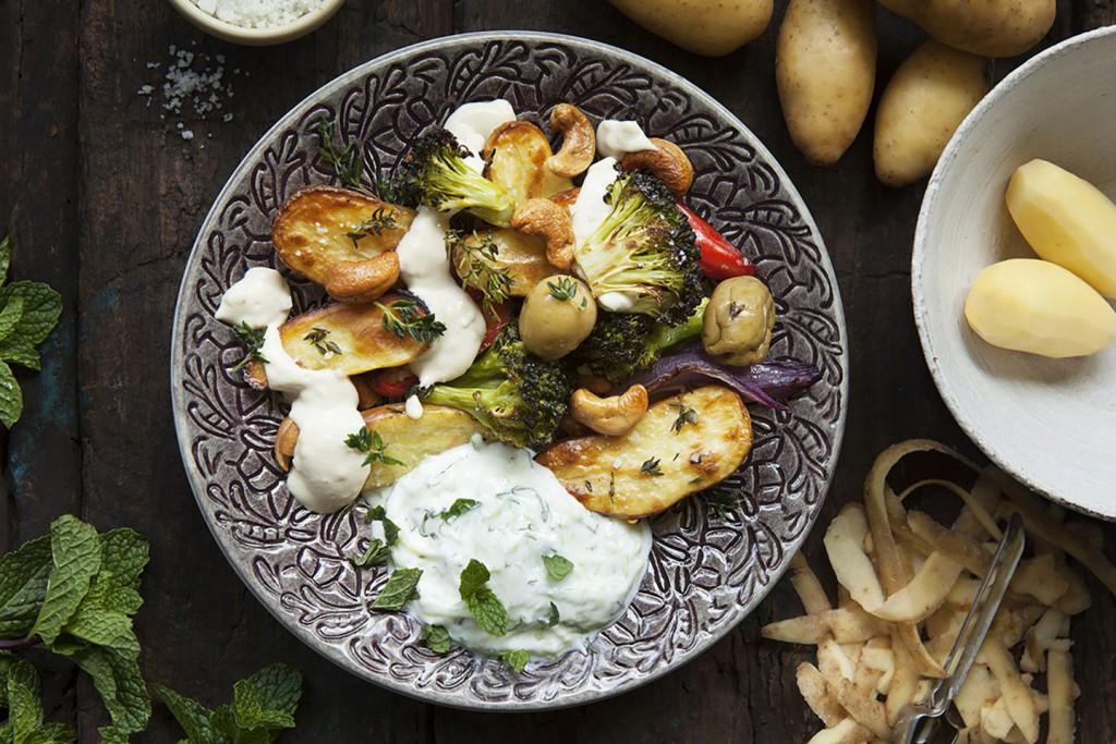 Asparges Delikatesspotatis med Tahinadipp & Myntayoghurt